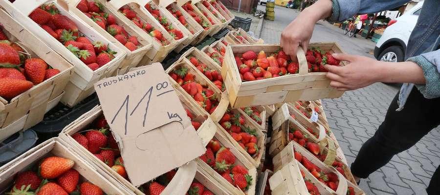 Truskawki cena rynek Okrzei