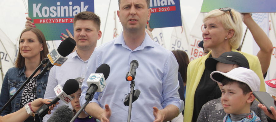 Władysław Kosiniak- Kamysz podczas wizyty w giżyckiej Ekomarinie