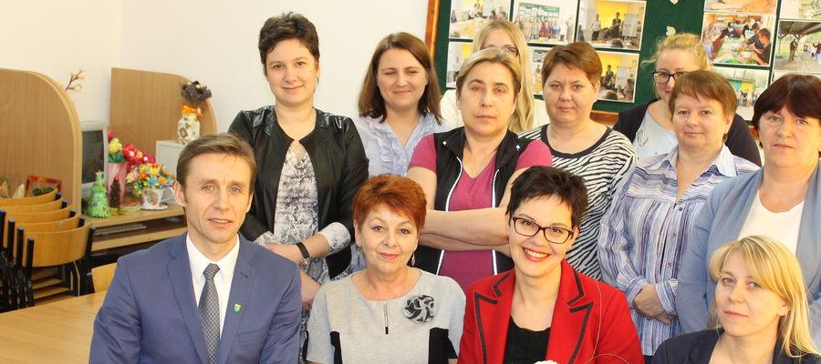 Dyrektorem ŚDS została Elżbieta Świgoń (dolny rząd, druga z prawej)