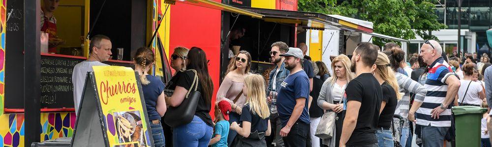 Food trucki przyjeżdżają do Giżycka!  II Festiwal Smaków Food Trucków już 1 i 2 sierpnia na plaży miejskiej przy kąpielisku.