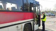Pijany 68-latek kierował autobusem. Tłumaczył, że napił się soku jabłkowego i zapalił papierosa