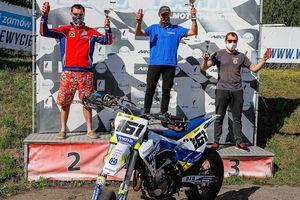 Bartoszyczanin rozpoczął walkę o obronę tytułu mistrza Polski w wyścigach supermoto