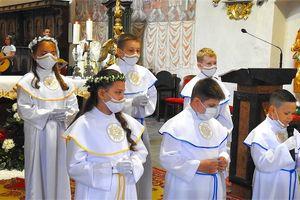 Uroczystości przyjęcia pierwszej komunii w parafii pw. św Tomasza