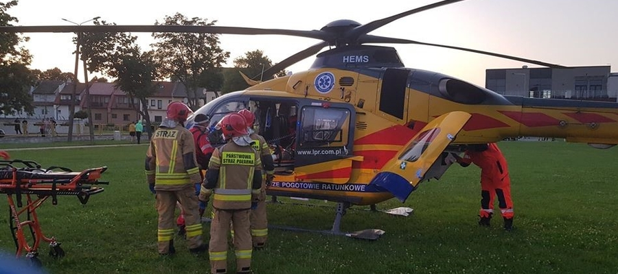 Jedna z ofiar wypadku została przetransportowana do szpitala helikopterem Lotniczego Pogotowia Ratunkowego