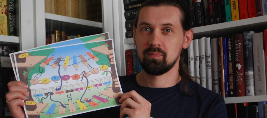 Piotr Przytuła z Katedry Literatury Polskiej UWM