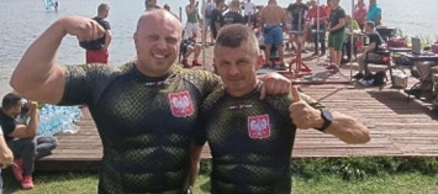 Artur Wiśniewski (z lewej) i Bogusław Fijas dobrze reprezentowali gminę Ostróda w Węgorzewie