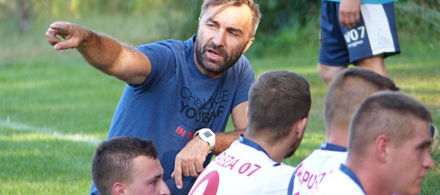— Gdybym teraz odszedł, to wstydziłbym się później spojrzeć chłopakom w oczy — mówi trener Kuciński