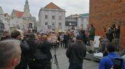 Stop Covid Olsztyn. Manifestacja na olsztyńskiej starówce [RELACJA LIVE]