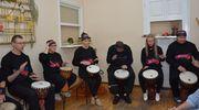 Bębniarze zagrali w ŚDS w Olecku