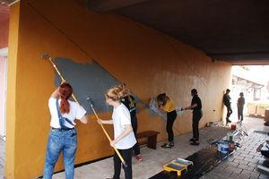 Malują mury w Ornecie