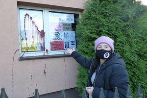 Iława: lokalnej organizatorce Strajku Kobiet ktoś oblał dom farbą