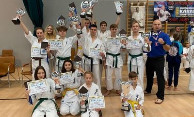 Lidzbarscy karatecy zdobyli sześć medali w Skarżysku-Kamiennej