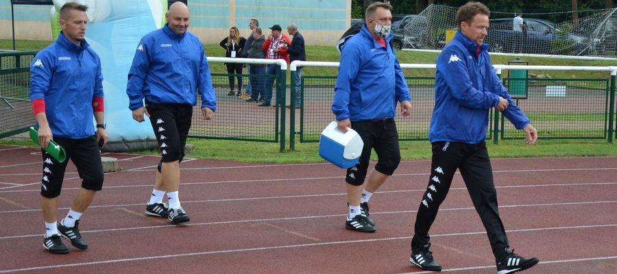 U trenera Sokoła Ostróda Piotra Jacka (z prawej) stwierdzono zakażenie koronawirusem