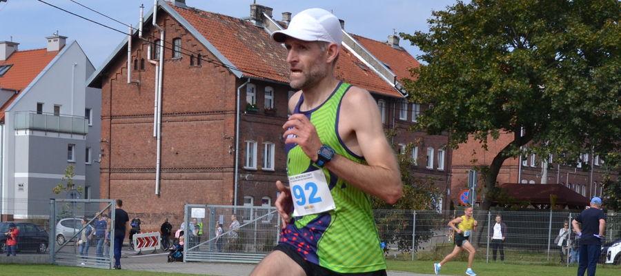 Paweł Tadejewski na moment z biegów ulicznych przeniósł się w teren i zdobył medal