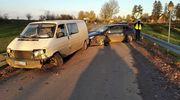Czołowe zderzenie busa z osobówką na trasie Skitno — Liski
