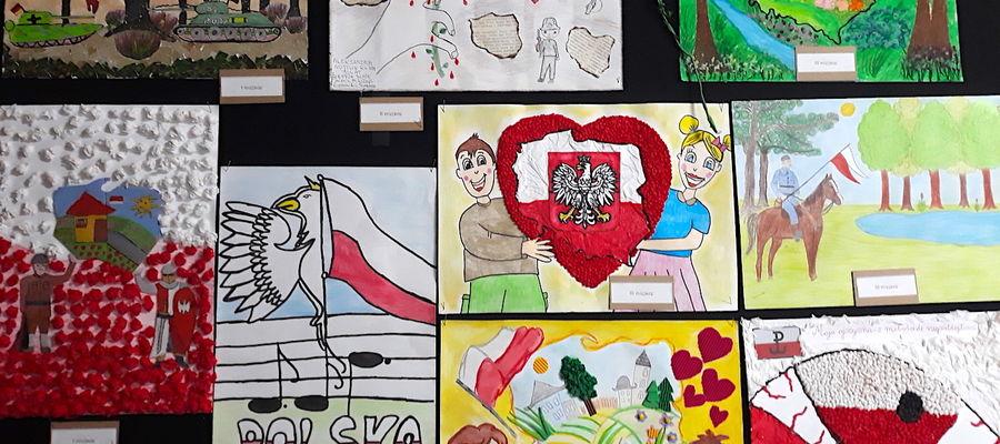 Prace zostały zaprezentowane na wystawie w Gminnym Centrum Kulturalno-Bibliotecznym w Samborowie