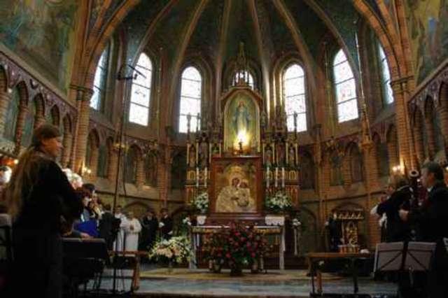 Sanktuarium maryjne w Gietrzwałdzie - full image