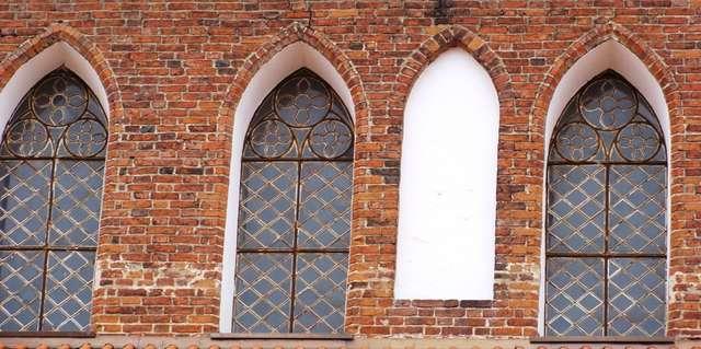 Bartoszyce: Kościół Farny z XIV wieku - full image