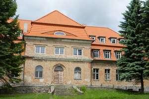 Okowizna: neobarokowy pałac