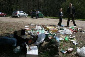 Turyści podrzucają nam śmieci