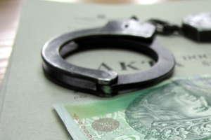 Była kierownik sekretariatu Sądu Rejonowego w Działdowie aresztowana. Usłyszała 80 zarzutów!