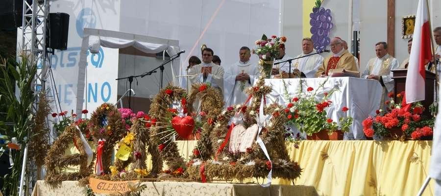 W 2009 roku mszę św. dożynkową odprawił w Pieniężnie kardynał Henryk Gulbinowicz