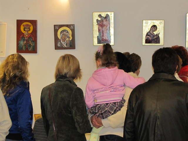 Wystawa ikon w cerkwi w Giżycku - full image