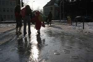 Meteorolodzy ostrzegają: Będzie zimno i ślisko
