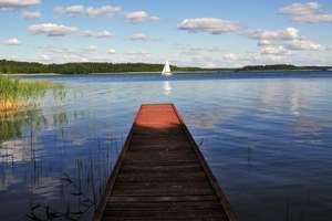 Krzyże: wieś nad jeziorem Nidzkim