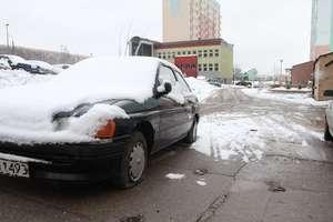 Samozwańczy sprzątacz oczyszczał ulice ze starych aut