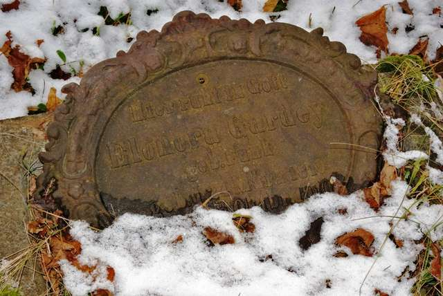 Nawiady: zabytkowy cmentarz ewangelicki - full image