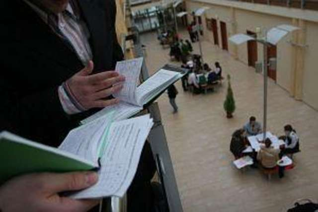 Koniec imprez, czas egzaminów. Rozpoczęła się sesja na UWM - full image