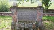 Neogotycki kościół i cmentarz wojenny w Bajtkowie