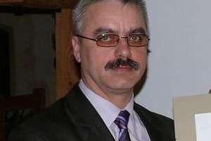 Grzegorz Mucha prowadzi w prawyborach