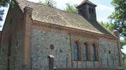Kamienny kościół ewangelicki z 1855 roku w Rybnie