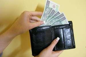Znaleziono portfel z pieniędzmi. Zguba do odebrania na policji