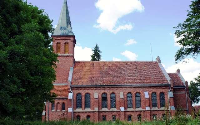Użranki: kościół ewangelicki z 1895 roku - full image