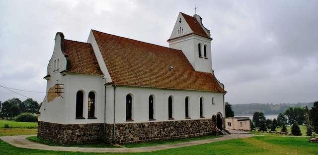 Warpuny: kościół katolicki z 1925 roku - full image