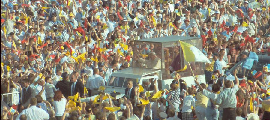 Jan Paweł II odwiedził Elbląg w 1999 roku