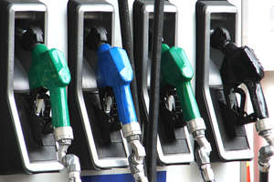 Brakuje na drogi, więc ceny paliw pójdą w górę?