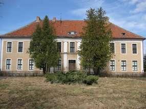 Pałac z końca XVII wieku w Ponarach