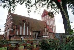 Kościół z XV wieku w Mołtajnach
