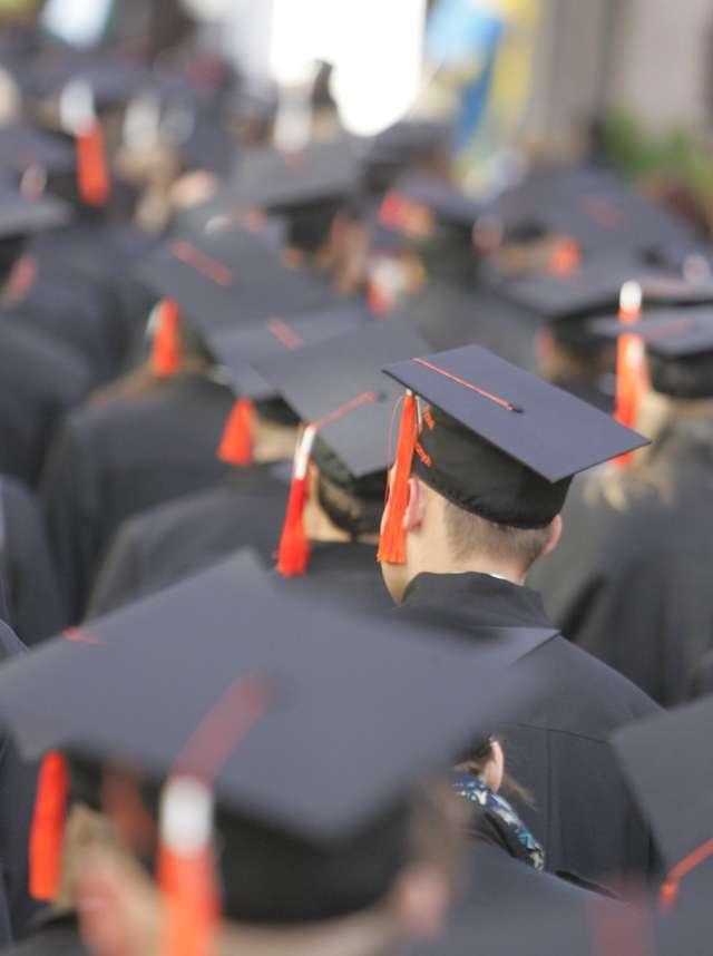 Sukces zawodowy? Wiedza i rzetelna praca. Badania! - full image