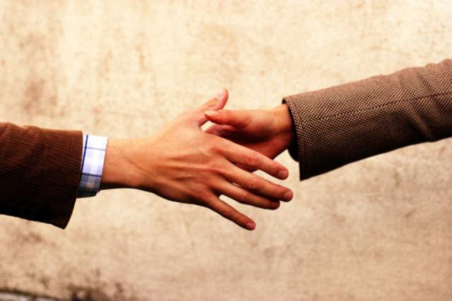 Prawa i obowiązki zatrudnionych na umowę zlecenie - full image