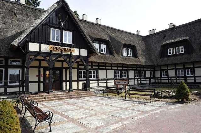 """""""Puszcza"""" - reprezentacyjny obiekt ośrodka w Łańsku - full image"""