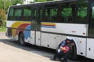 Kontrole autobusów wycieczkowych dla dzieci - jeden kierowca był pijany