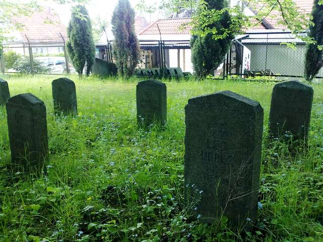Olsztyn: cmentarz z I wojny światowej przy ulicy Szarych Szeregów - full image