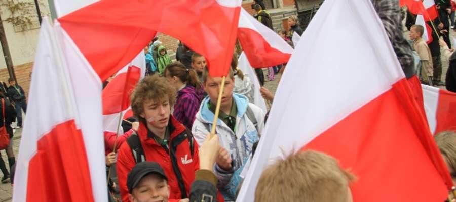 Flagi będą wyrazem naszego patriotyzmu oraz manifestacją świadomości narodowej