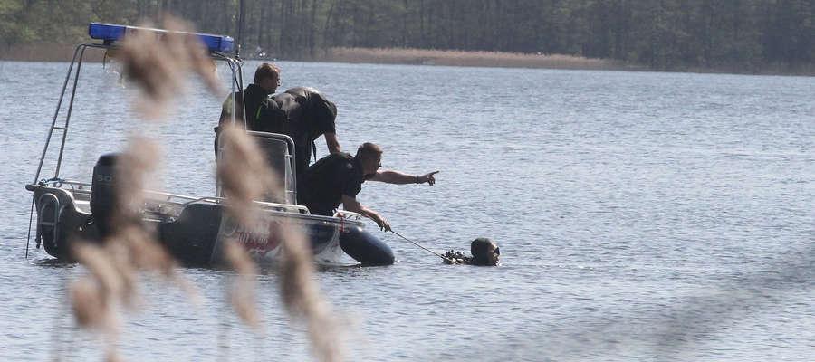 Tragiczny finał kąpieli w jeziorze Szwałk Mały. Nie żyje 56-letni mężczyzna