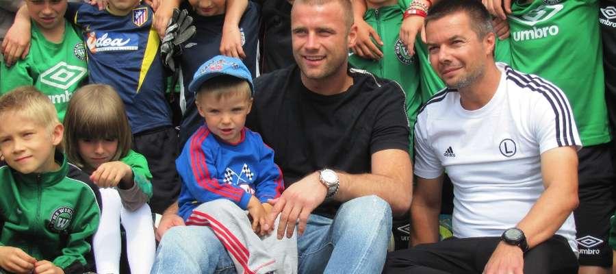 Choć wizyta Artura Boruca w klubie z Wikielca była już zaplanowana od kilku tygodni, to młodzi piłkarze dowiedzieli się o tym dopiero dzień przed przyjazdem bramkarza